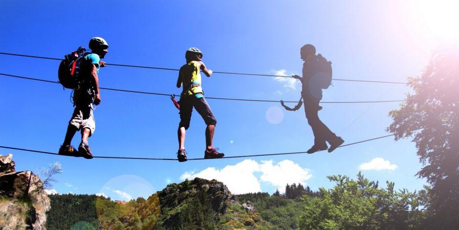 Bougez dans les Monts du Pilat – Via Ferrata adulte / Tyrolienne (à partir de 140 cm soit 10-12 ans)