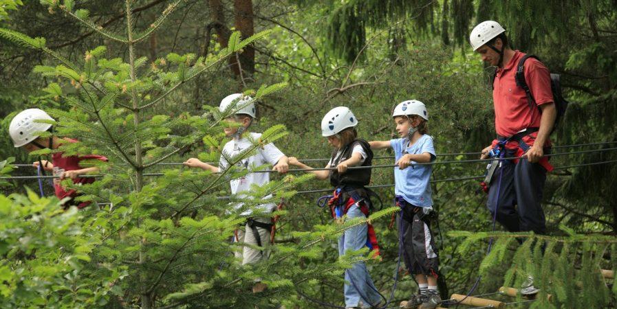 Bougez dans les Monts du Pilat – Via Ferrata enfant (à partir de 110 cm soit 6-8 ans)