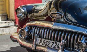 Rassemblement véhicules et motos anciens